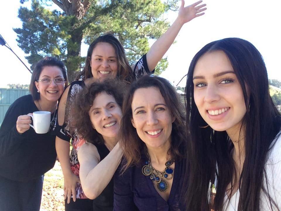 Equipe (família)Café com Abraço: Maria Tanaka, Vanisi Leal, Christine Nazareth, Adriana, Julia Veres - not in picture: Ana Luiza & Milena Batista.